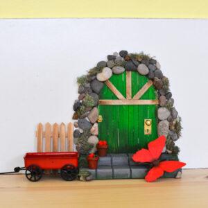 adventure in a box make-a-diy-fairy-door-from-craft-sticks-final-5