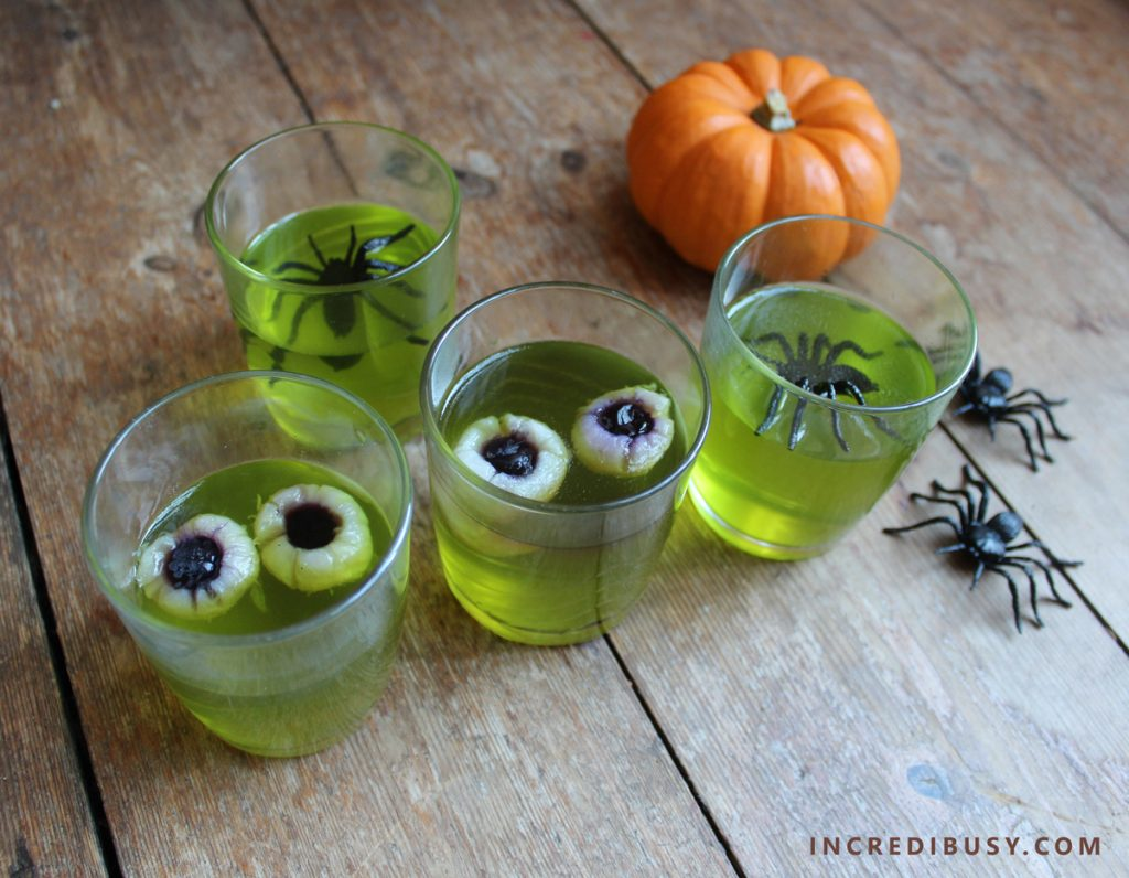 Halloween-Food-Jelly-Eyeballs-and-Spiders
