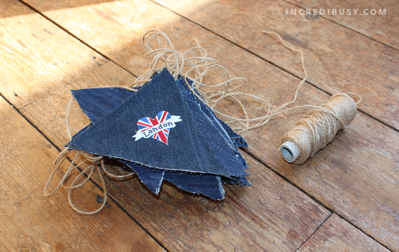 Denim-Jeans-Bunting-DIY-in-a-pile