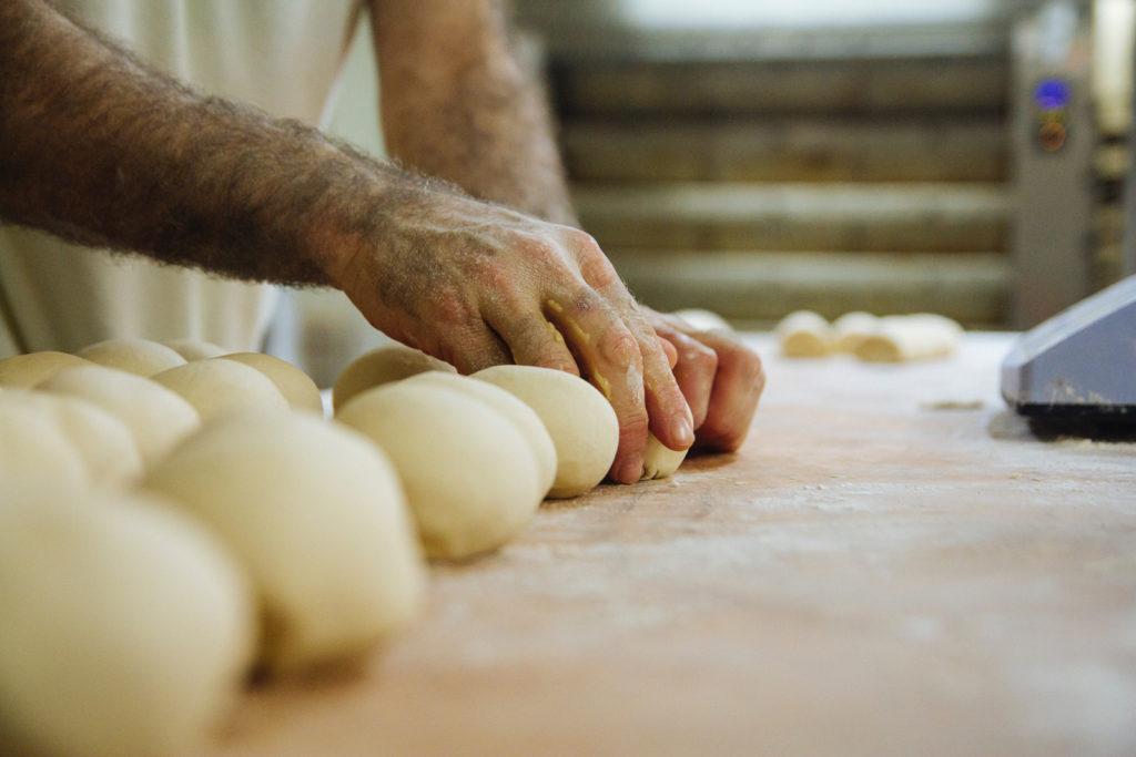 How to make garlic dough balls