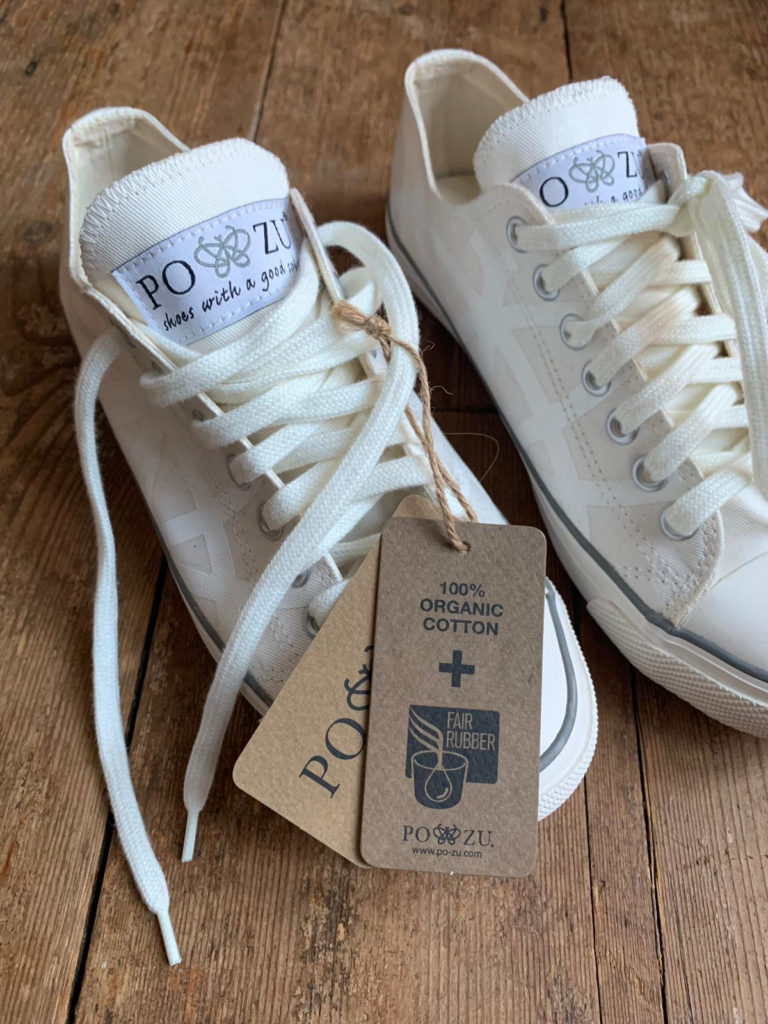 Po-Zu-fairtrade-rubber-sneakers-with-swing-ticket