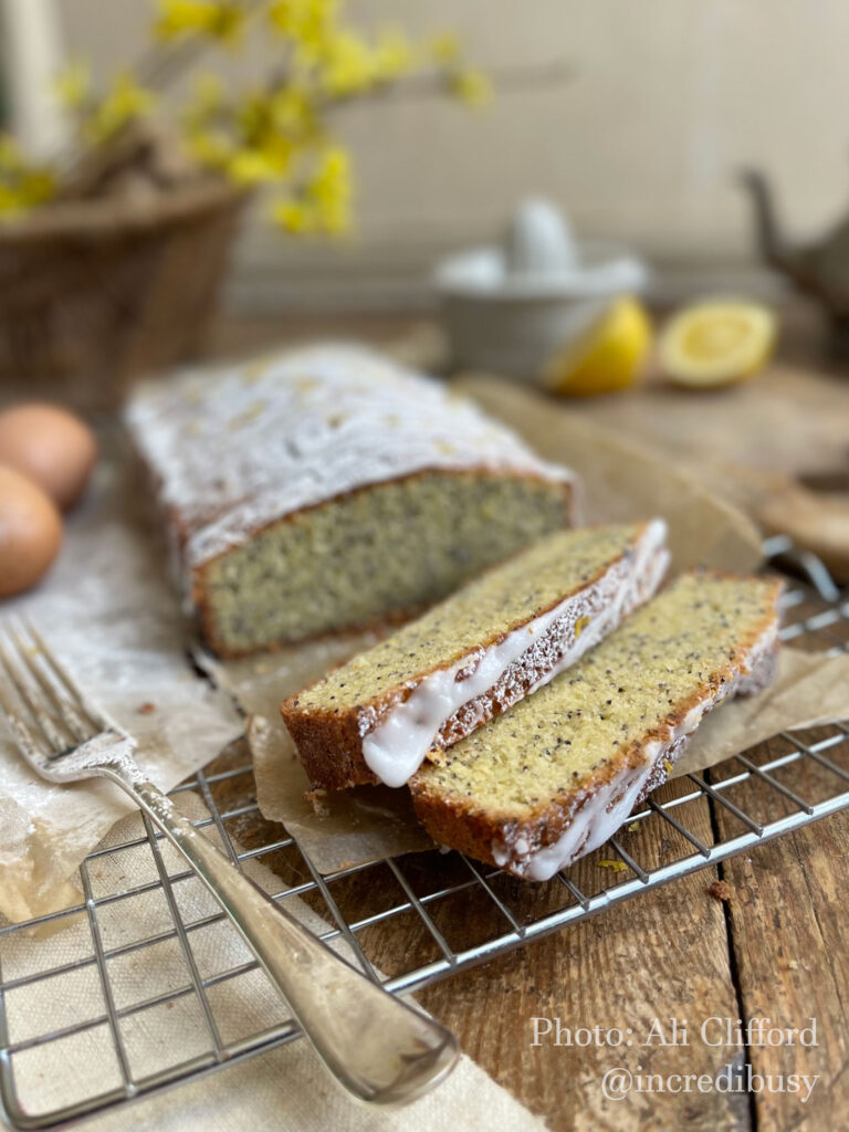 Lemon-Poppy-Seed-Cake-recipe-incredibusy